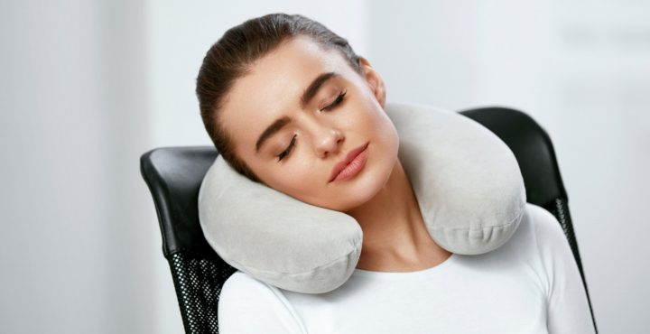 Why You Need Inflatable Neck Pillow During Travel